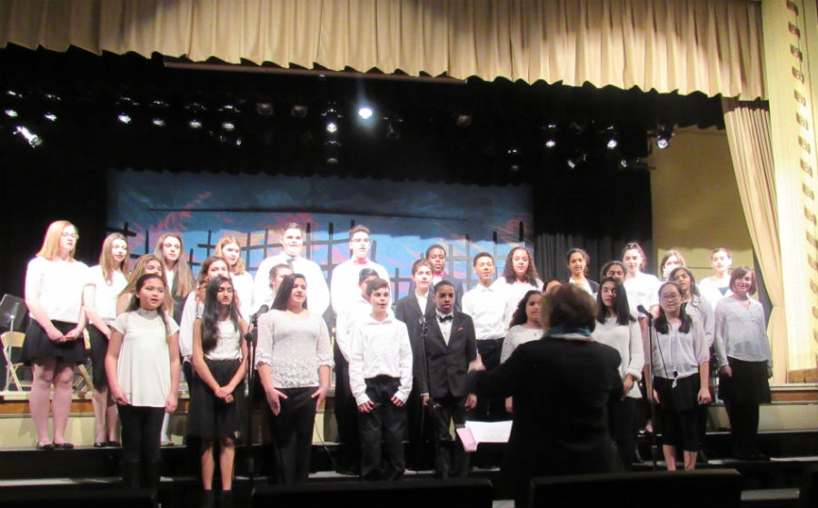 The+select+choir+singing+their+last+piece+