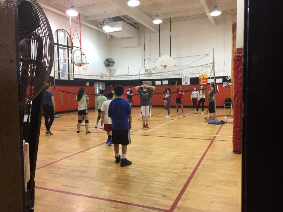 WMS+VOLLEYBALL+CLUB%3A+%0A7th+and+8th+grade+students+getting+ready+for+the+volleyball+season.