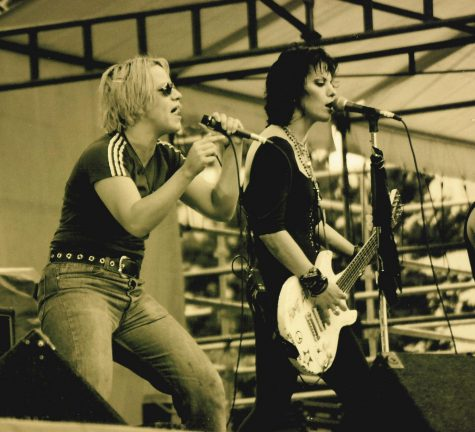 "Joan Jett tops the charts with her song ""I Love Rock 'n' Roll"""