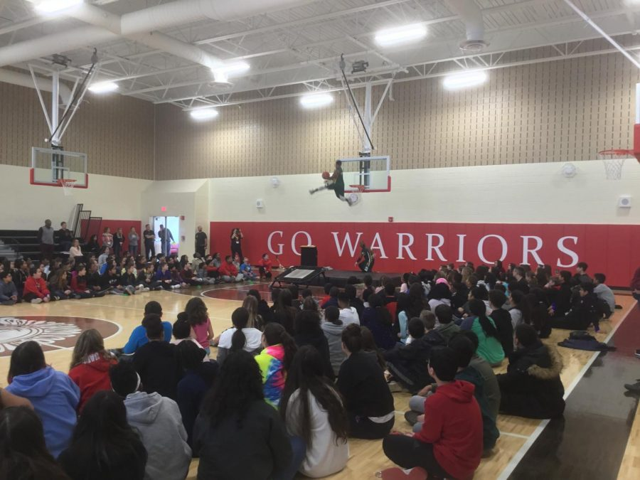 Picture taken at the Xtreme Team Basketball Show at Woodbridge Middle School. Follow them at XtremeDunks on Instagram!