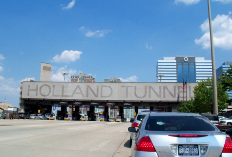 Photo Via https://commons.wikimedia.org/wiki/File:Holland_Tunnel_-_panoramio_(1).jpg Creative Commons License