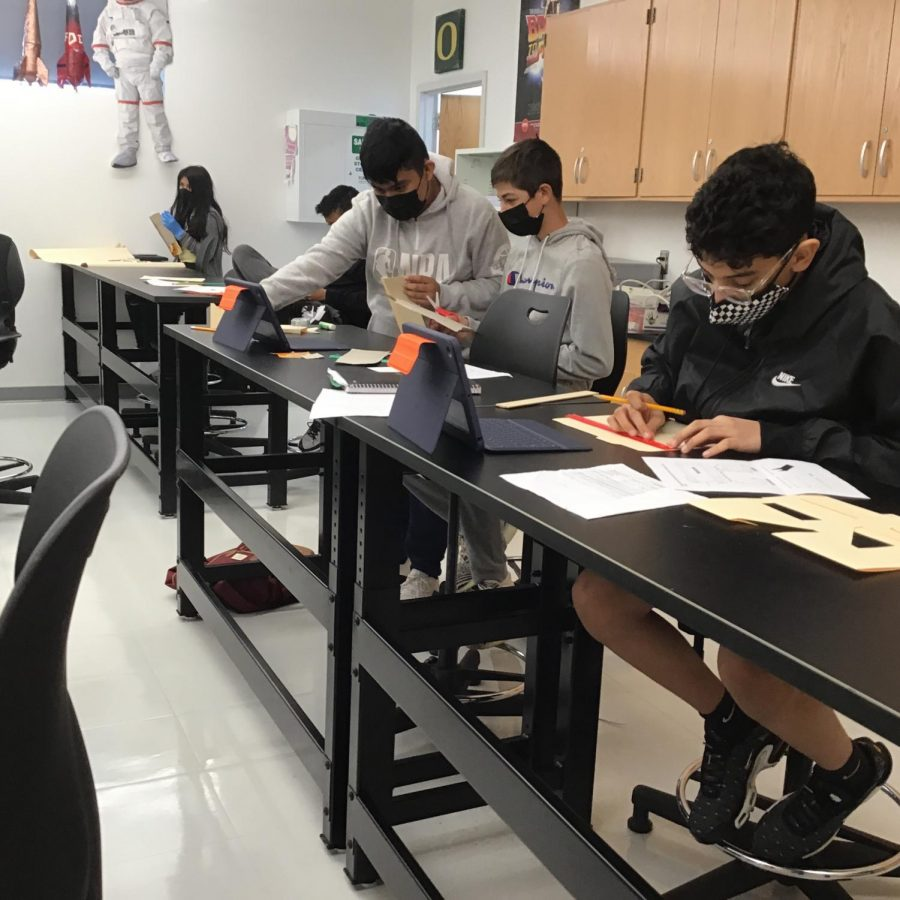 WMS students work on a project in Mr.Olvesen's stem class